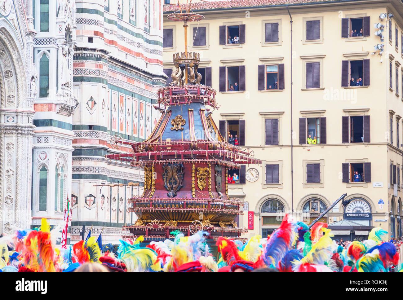 Explosión del carro festival, la Piazza del Duomo, Florencia, Toscana, Italia, Europa Imagen De Stock