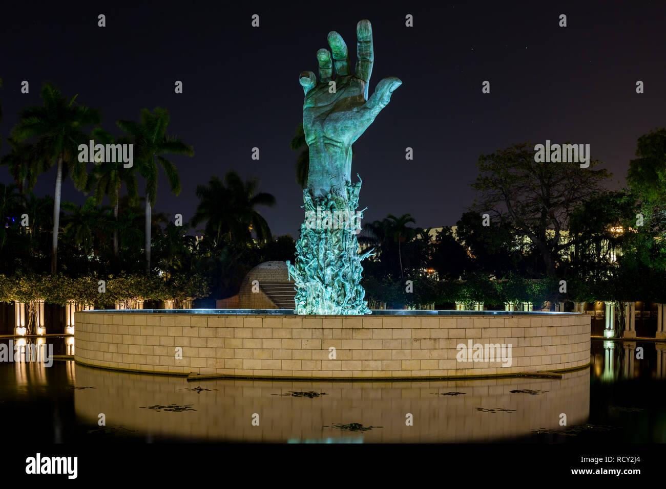Miami Beach, Florida, EE.UU. - 5 de enero de 2019, el Memorial del Holocausto. El monumento consta de varios elementos. El punto focal es la de 13 metros (42 Imagen De Stock