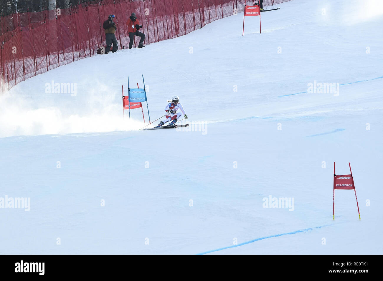 KILLINGTON, VT - 24 de noviembre: Andrea Ellenberger de SUI en el área después de finalizar la segunda carrera del slalom gigante en el Audi FIS de la Copa del Mundo de Esquí. Foto de stock