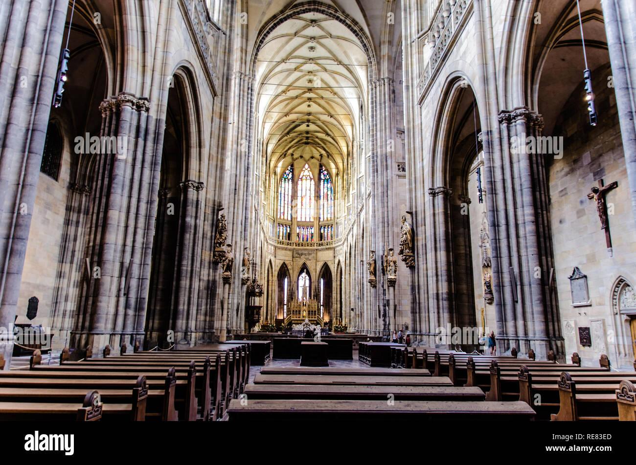 La hermosa catedral de San Vito en El Castillo de Praga en Praga, República Checa Foto de stock