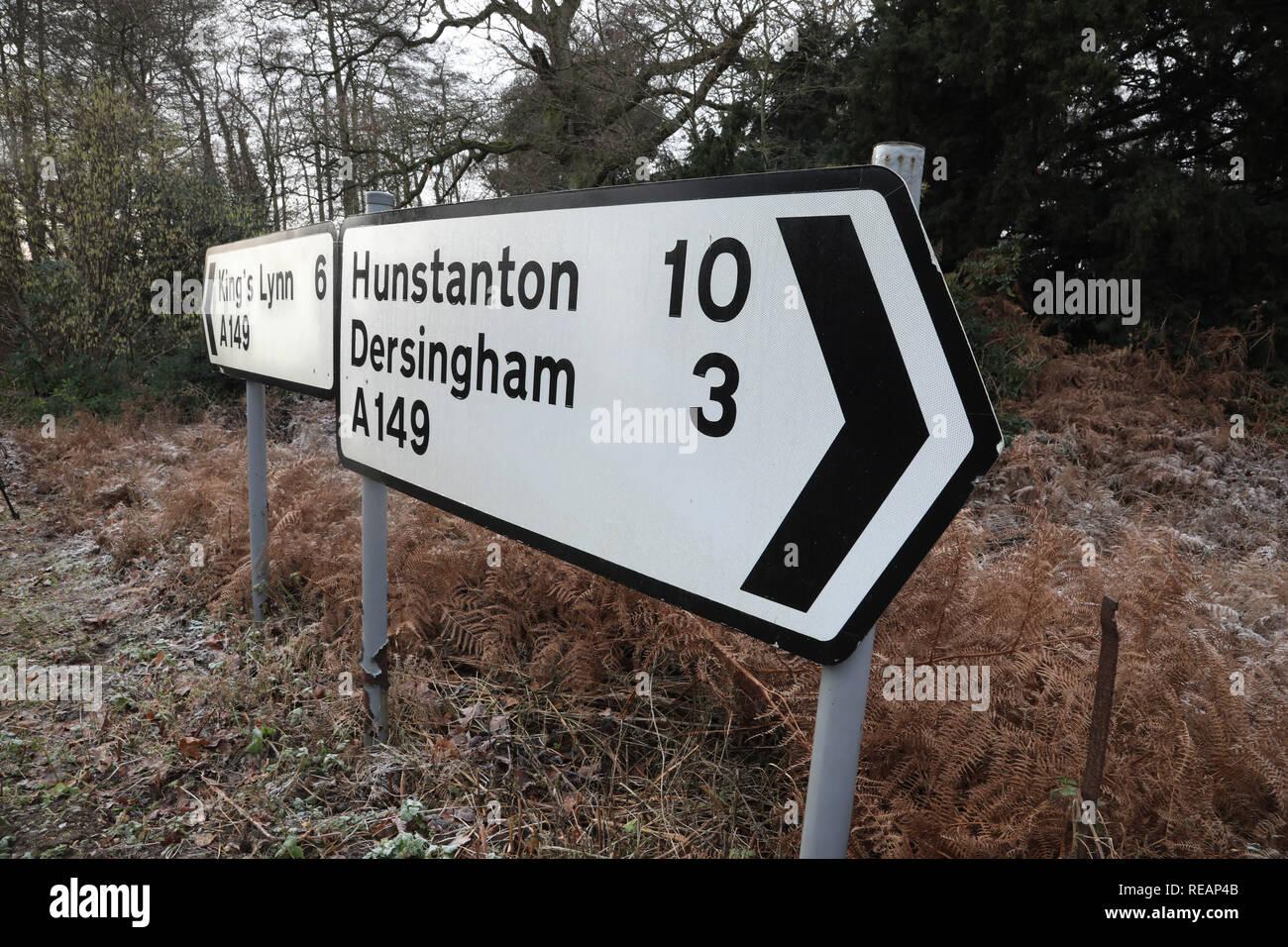 Sandringham, Norfolk, Reino Unido. 18 de enero de 2019. El signo en la escena del accidente. Seguimiento en el Príncipe Felipe, Duque de Edimburgo crash en la A149 cerca de Sandringham, Norfolk, el 18 de enero de 2019. Crédito: Paul Marriott/Alamy Live News Imagen De Stock