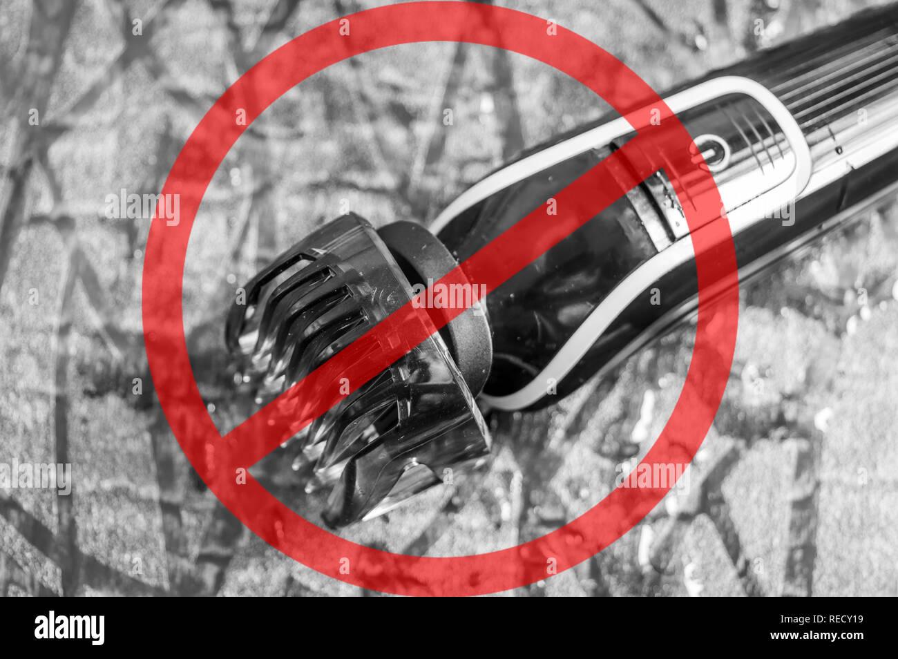 El hombre o la máquina de afeitar eléctrica del cortapatillas con un ajuste  de la cuchilla 43b856fceb76