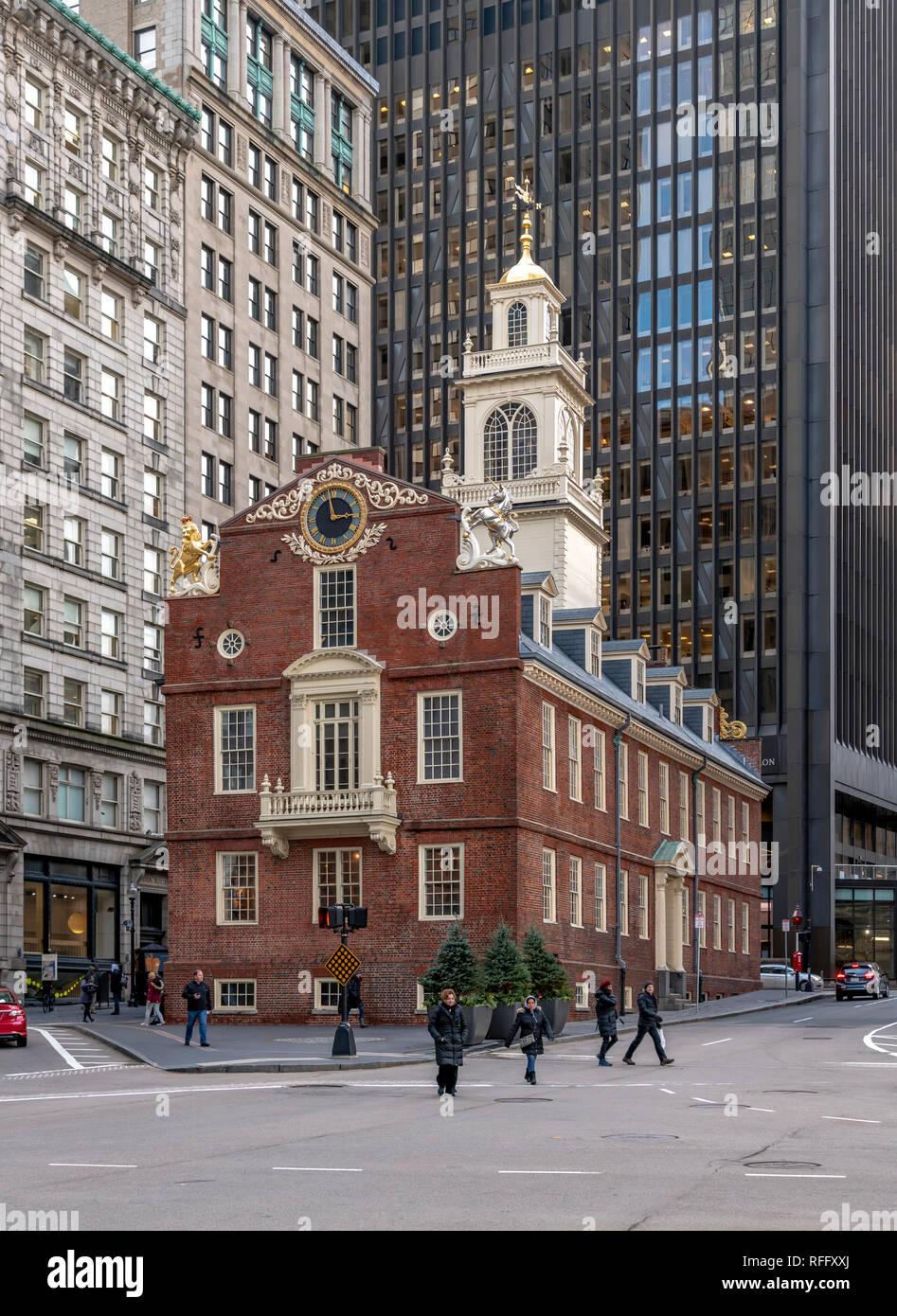 El Old State House, Boston. El sitio histórico de la Declaración de la independencia se lee desde el balcón en 1776. Foto de stock