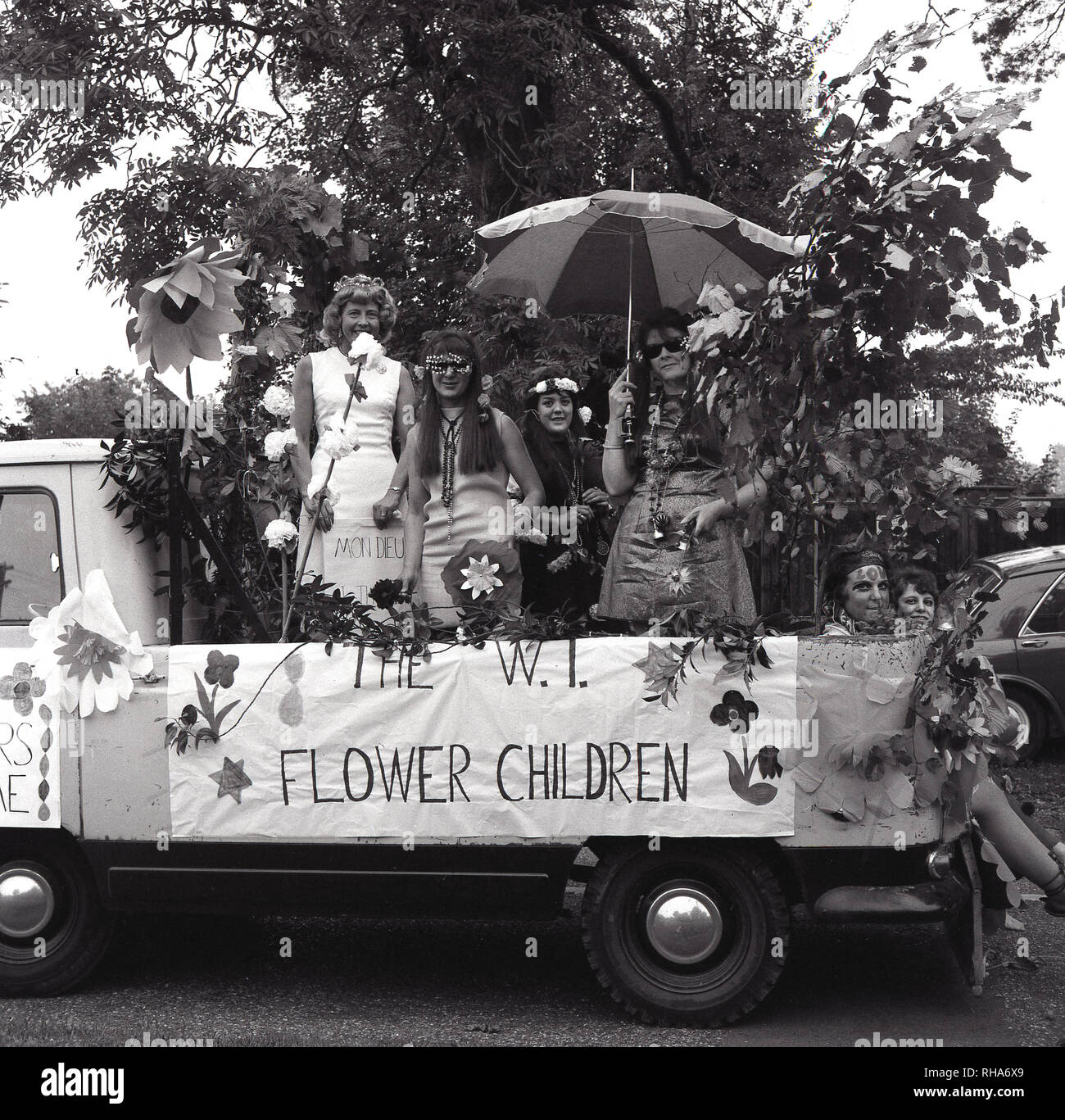 c000dc5e0f48 Flower Children Sixties Imágenes De Stock   Flower Children Sixties ...