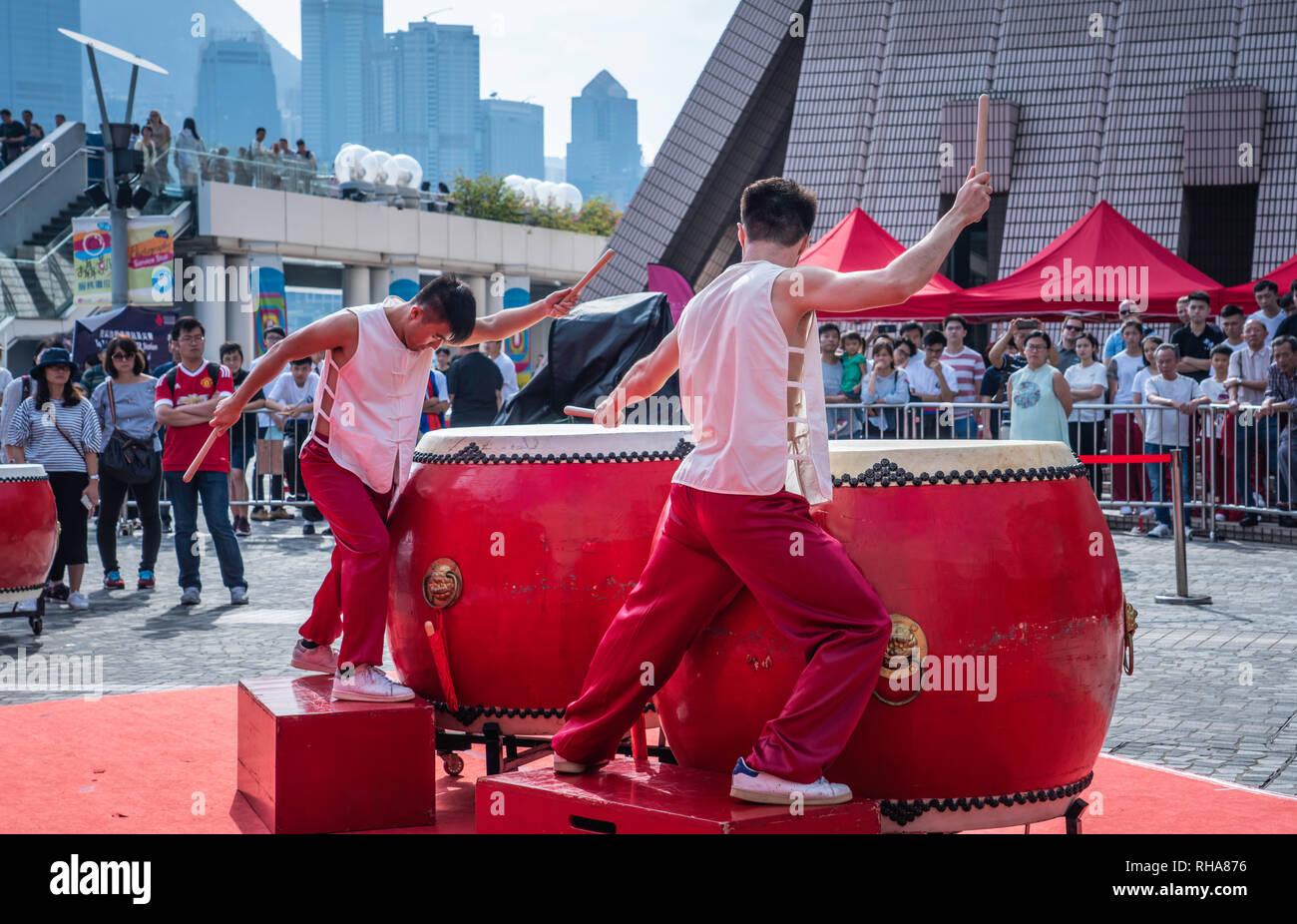 La sinergia de Hong Kong 24 Tambor afuera de competencia en Kowloon, Hong Kong, China, Asia. Imagen De Stock