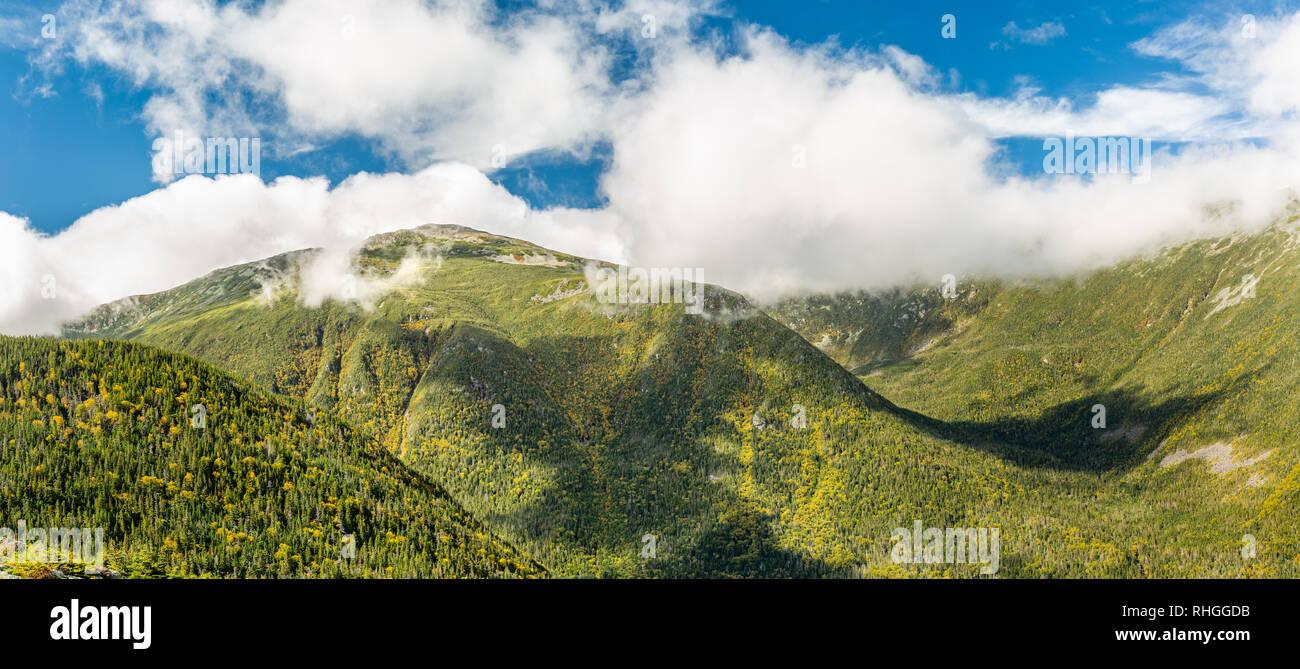 Mt Jefferson y Jefferson barranco vista desde Mount Washington road Imagen De Stock