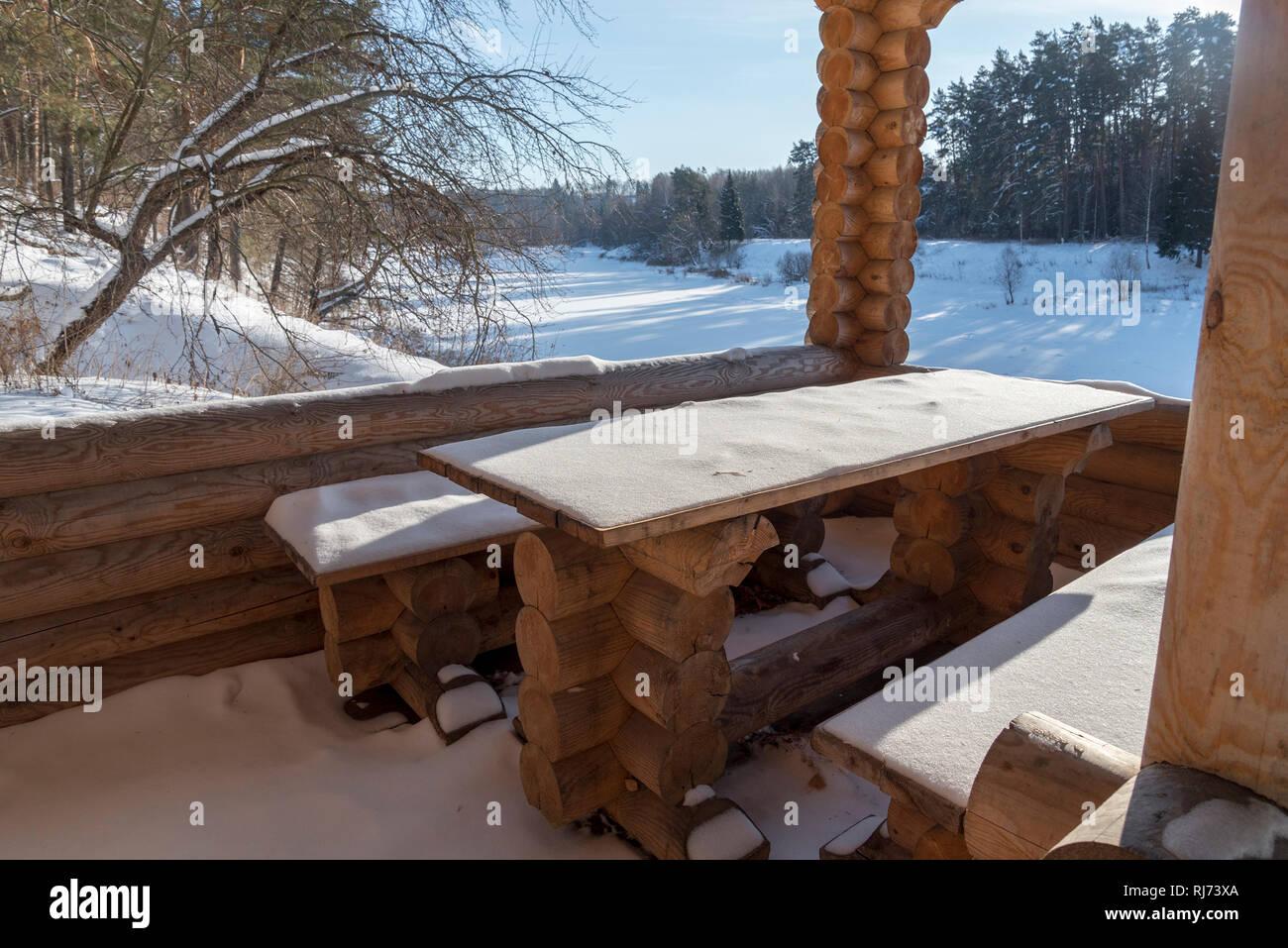 Fresco Cubriendo De Nieve Pura Madera De Caoba Pintada De