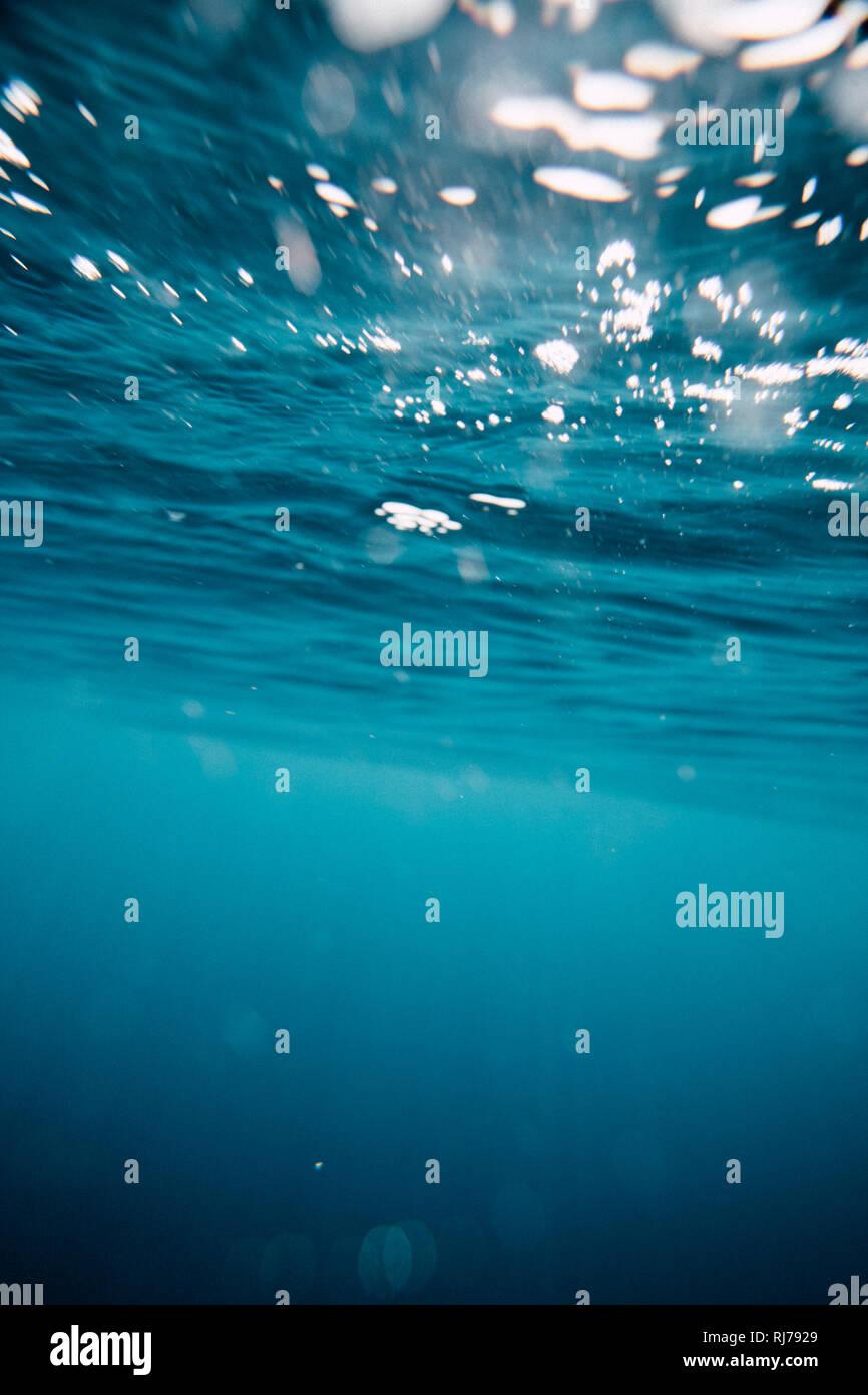 Von Unterwasser Wasseroberfläche aus fotografiert Foto de stock