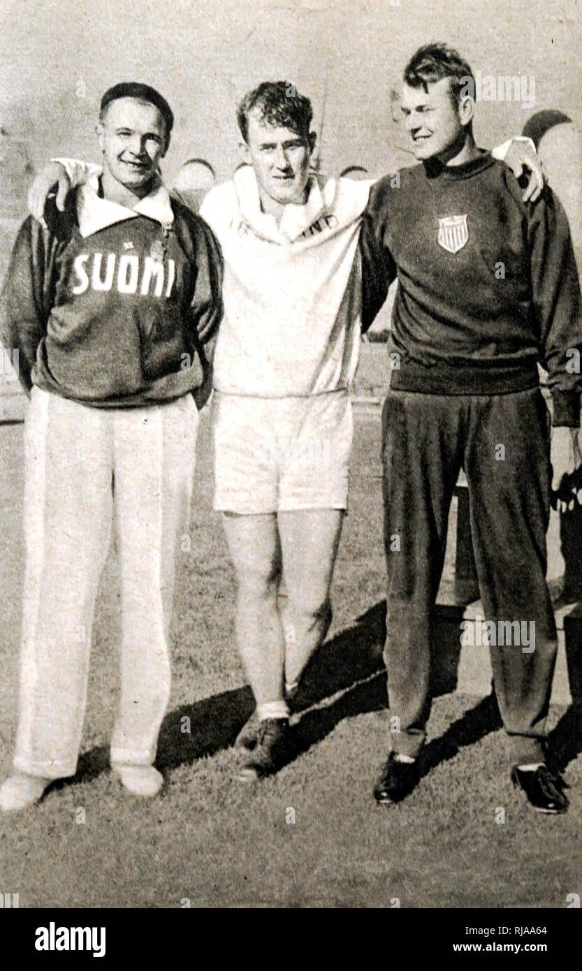 Fotografía de los tres primeros ganadores en el lanzamiento de martillo en los Juegos Olímpicos de 1932. (Oriente) Patrick O'Callaghan (1905 - 1991), medalla de oro. (Izquierda) Ville Porhola (1897 - 1964), medallista de plata. (Derecha) Pete Zaremba (1908 - 1994). Foto de stock