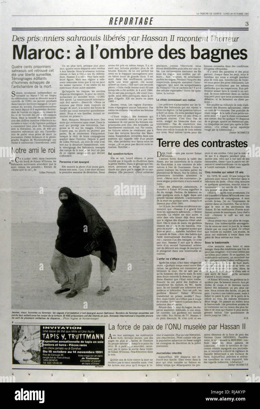 """Periódico suizo """"reportaje"""" artículo sobre la tortura y la detención narrada por cientos de presos políticos marroquíes liberados por el Rey Hassan II. Imagen De Stock"""