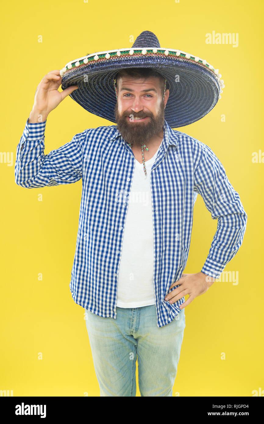 tienda oficial seleccione para el despacho sensación cómoda Gran parte hat. Accesorio de moda tradicional de traje de ...