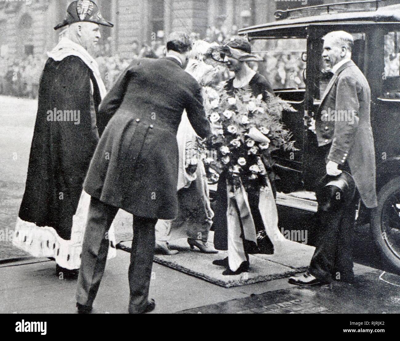 María, Princesa Real y condesa de Harewood (Victoria Alexandra Alicia María; 25 de abril de 1897 - 28 de marzo de 1965) fue un miembro de la familia real británica. Fue el tercer hijo y única hija del rey Jorge V y la Reina María y nació durante el reinado de la Reina Victoria, su bisabuela. María era la tía paterna del actual monarca británica, la Reina Isabel II. Imagen De Stock