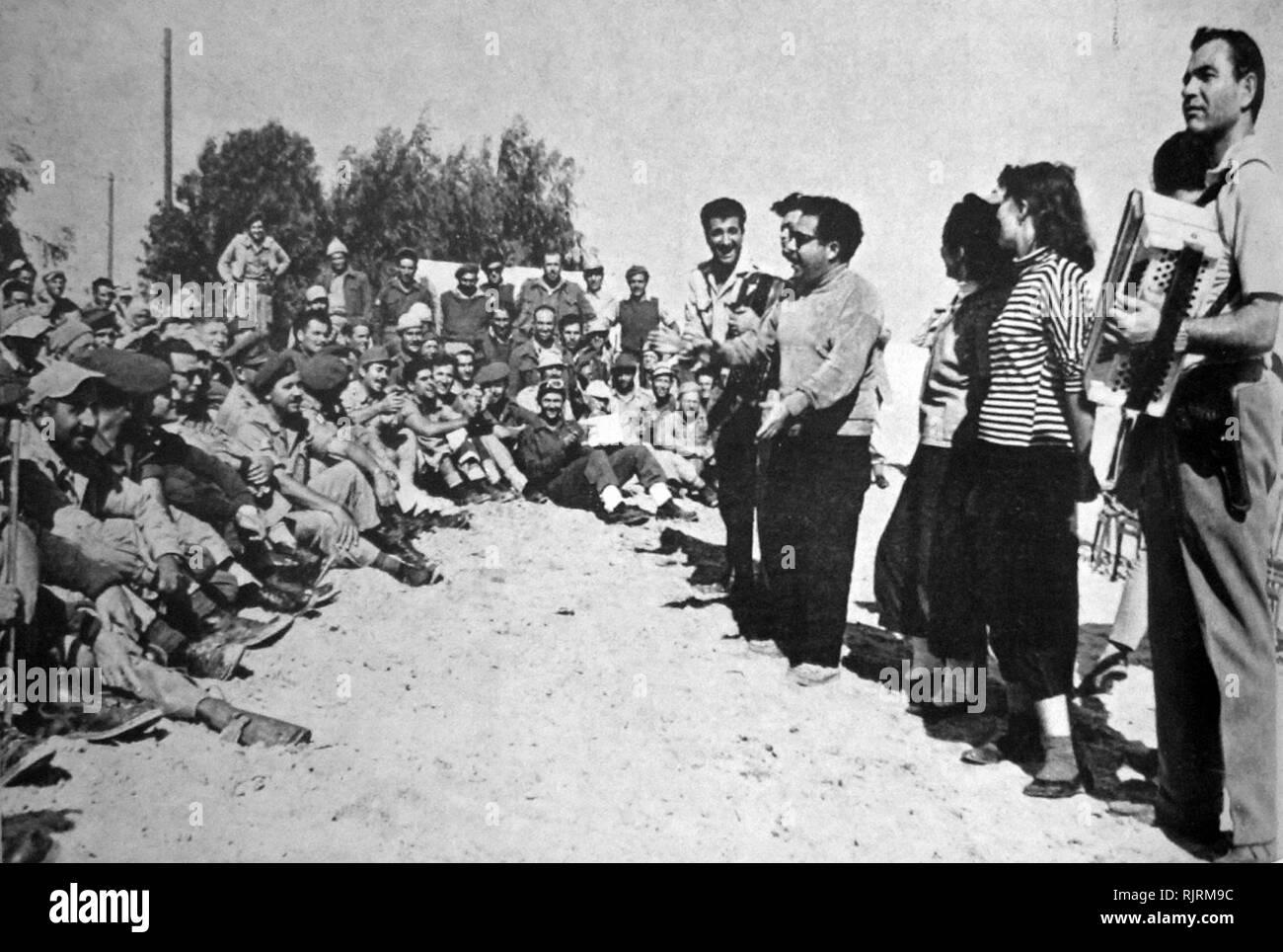 Zahal troupe de entretenimiento de las Fuerzas de Defensa de Israel, circa 1965 Imagen De Stock