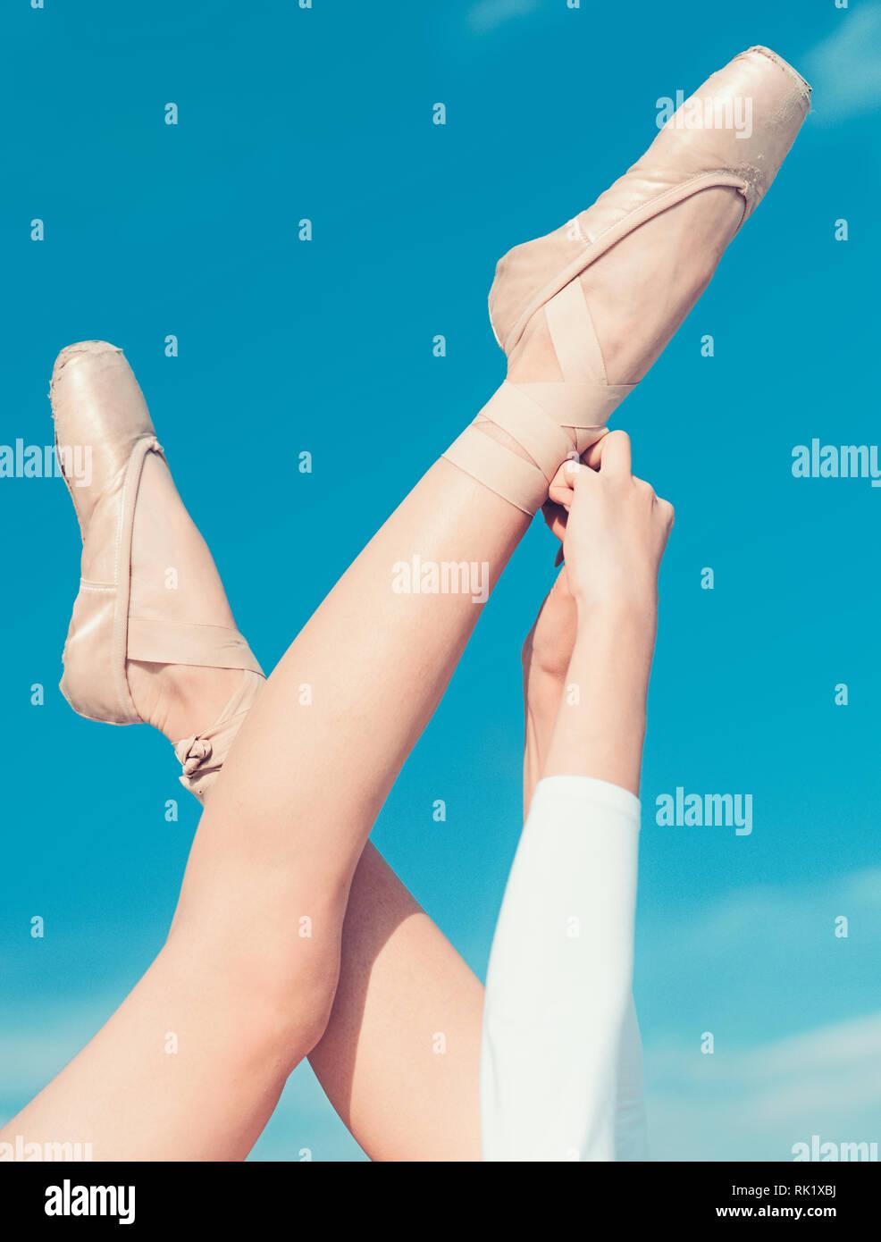 d92b841ff Worn In Ballet Shoes Imágenes De Stock & Worn In Ballet Shoes Fotos ...