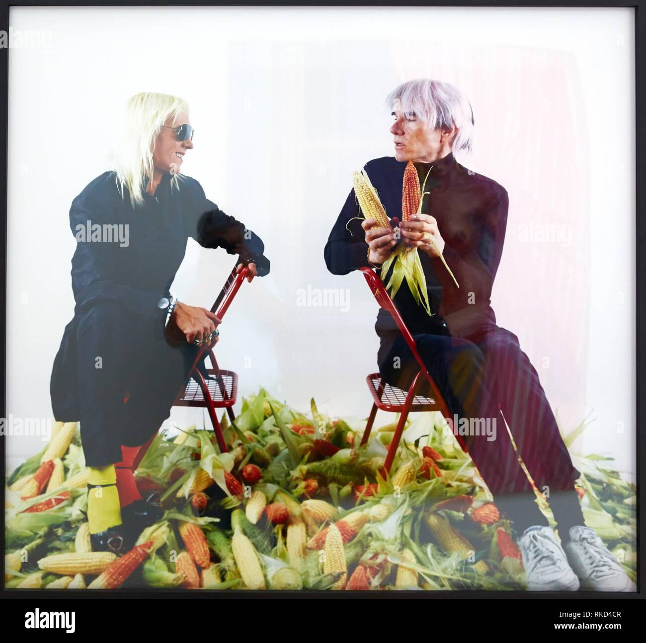 '''El pago de la deuda externa argentina con maiz, ''el oro latinoamericano'''. Marta Minujin y Andy Warhol. Museo de Arte Latinoamericano de Buenos Imagen De Stock