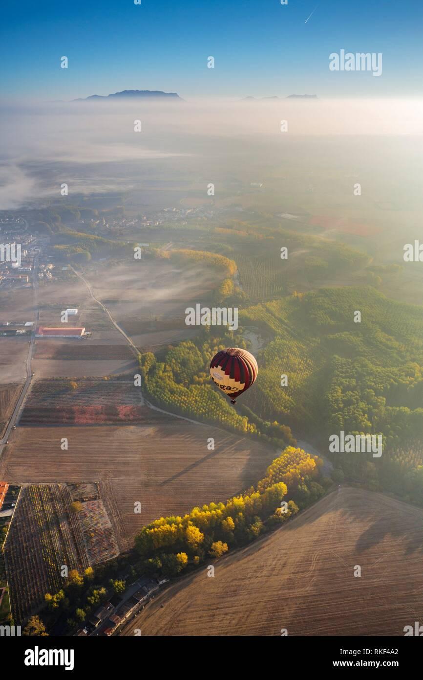 Viaje en globo entre Haro y Casalarreina. La Rioja. España Imagen De Stock