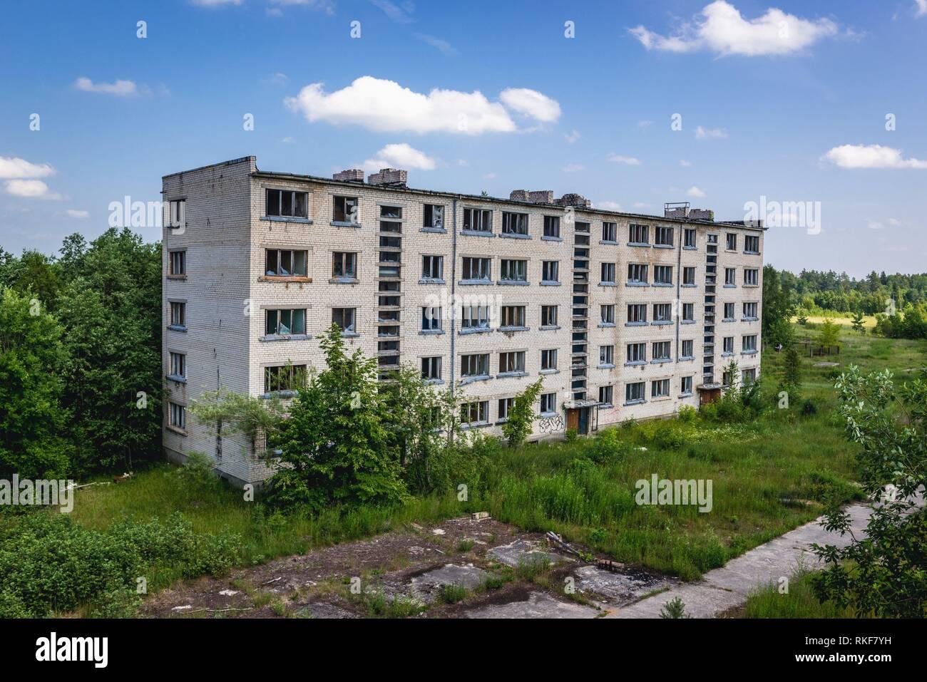 Skrunda-1 Ghost Town, antiguo emplazamiento de la estación de radar de Dniéper soviético desde el período de la guerra fría, cerca de la ciudad de Skrunda en Letonia. Imagen De Stock