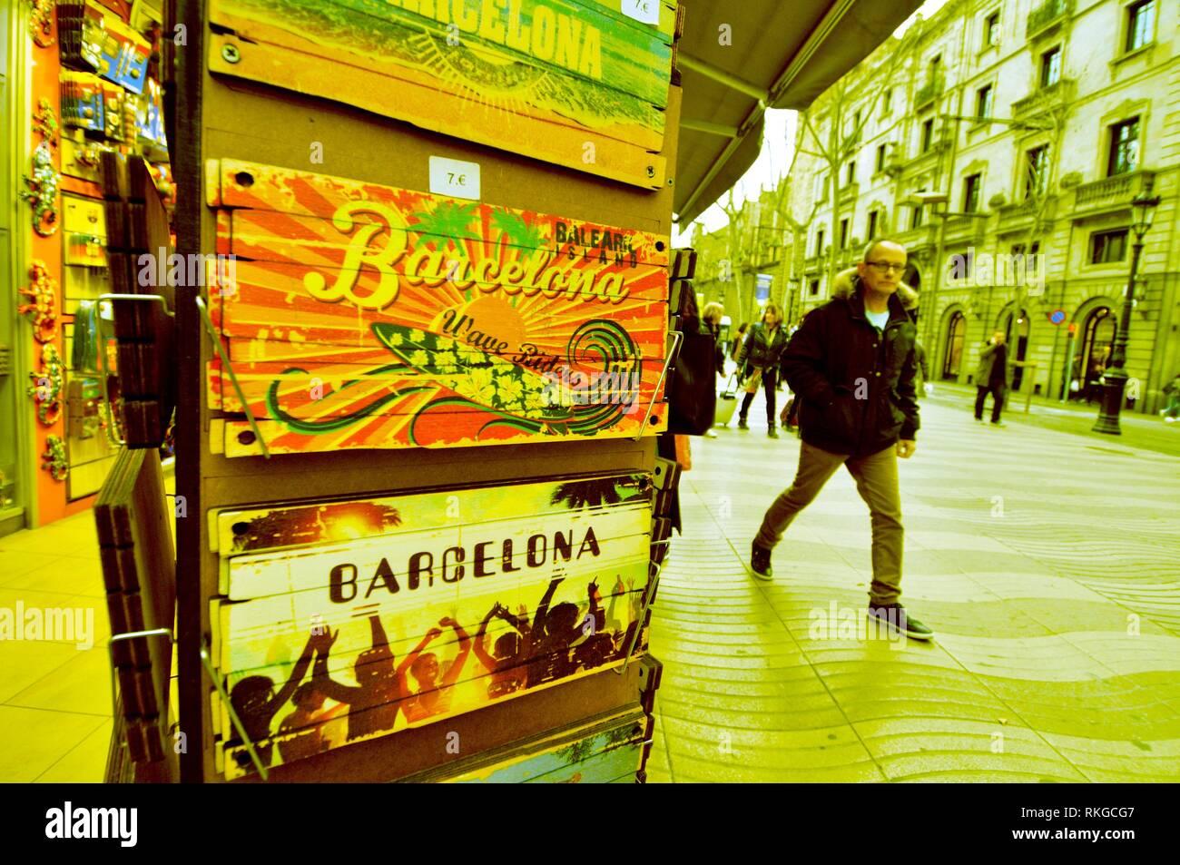 Barcelona salamandra sagrada familia metal imán souvenir españa Espana Spain nuevo