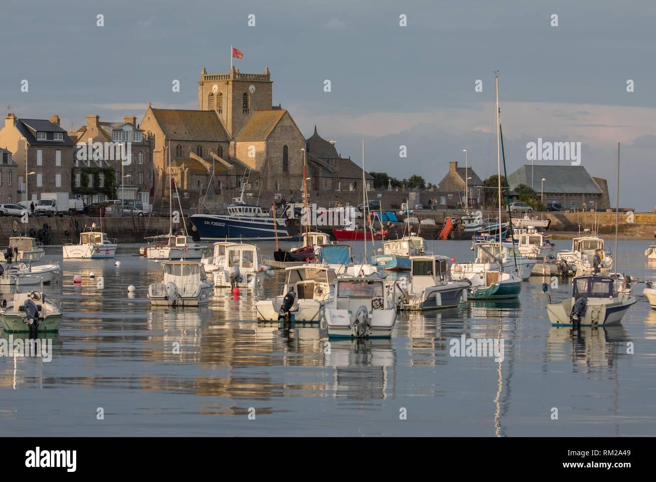 Puerto de Barfleur. Normandía, Francia Foto de stock