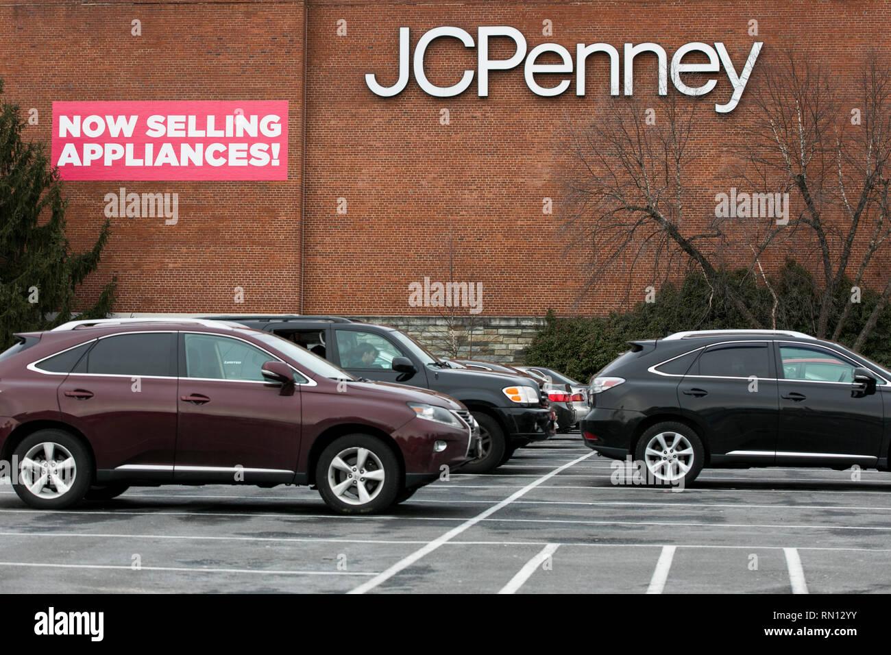 0fd343897 Una pancarta que dice  ahora vendiendo aparatos