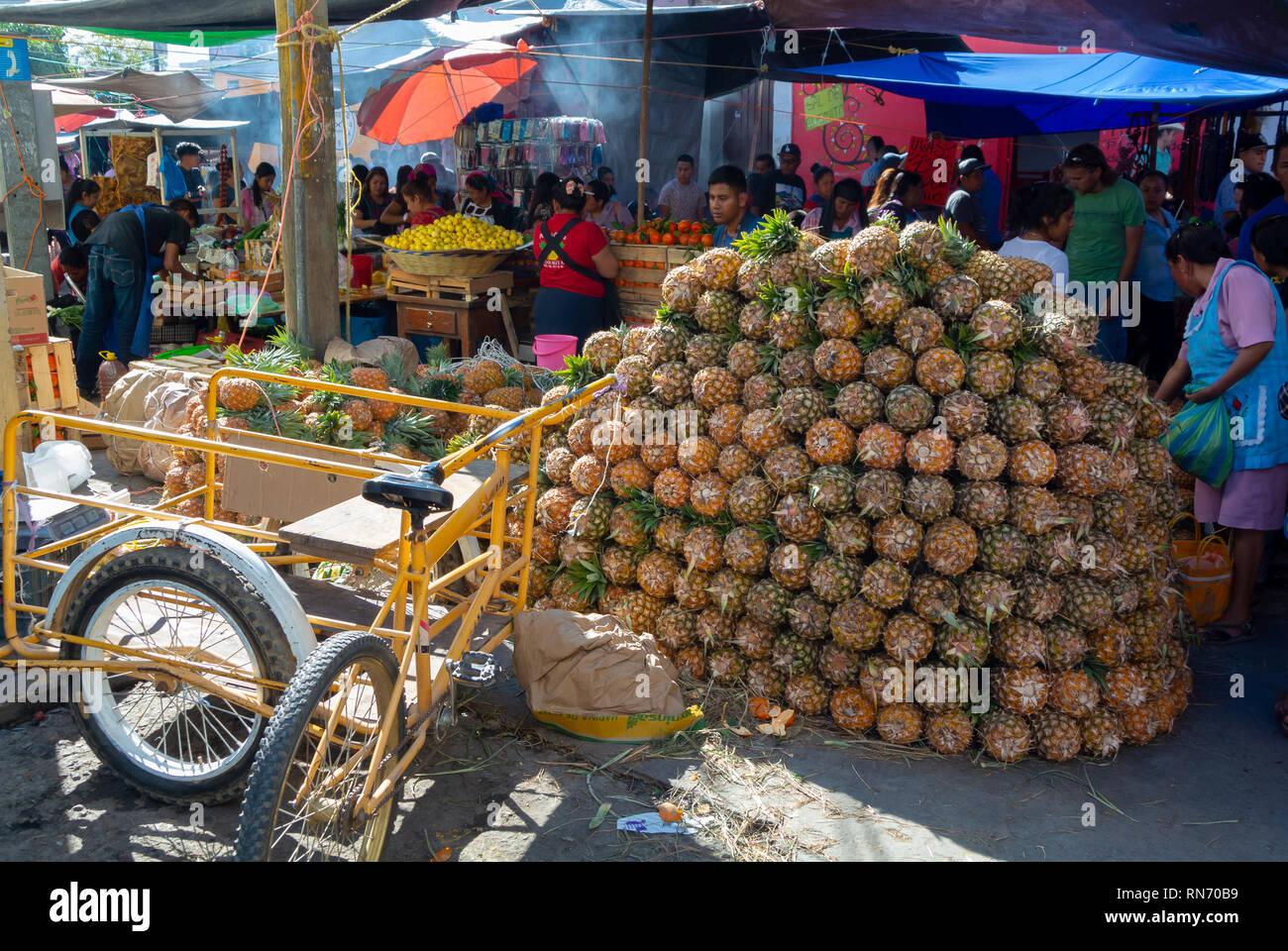 f8d83937d9 Market For Mexicans Imágenes De Stock   Market For Mexicans Fotos De ...