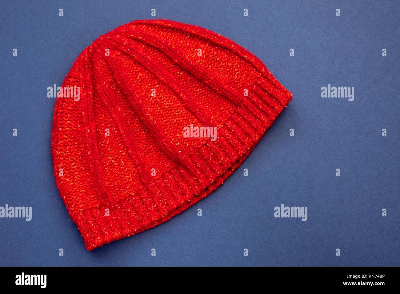 Sombreros De Punto De Lana Imágenes De Stock   Sombreros De Punto De ... bb67641eeeb
