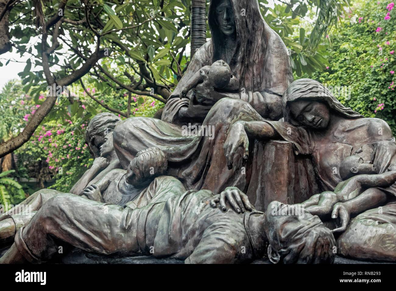 Acordaos - Manila 1945 monumento conmemorativo dedicado a todos los inocentes vidas perdidas durante la batalla de liberación WW2 Intramuros, Manila, Filipinas Foto de stock