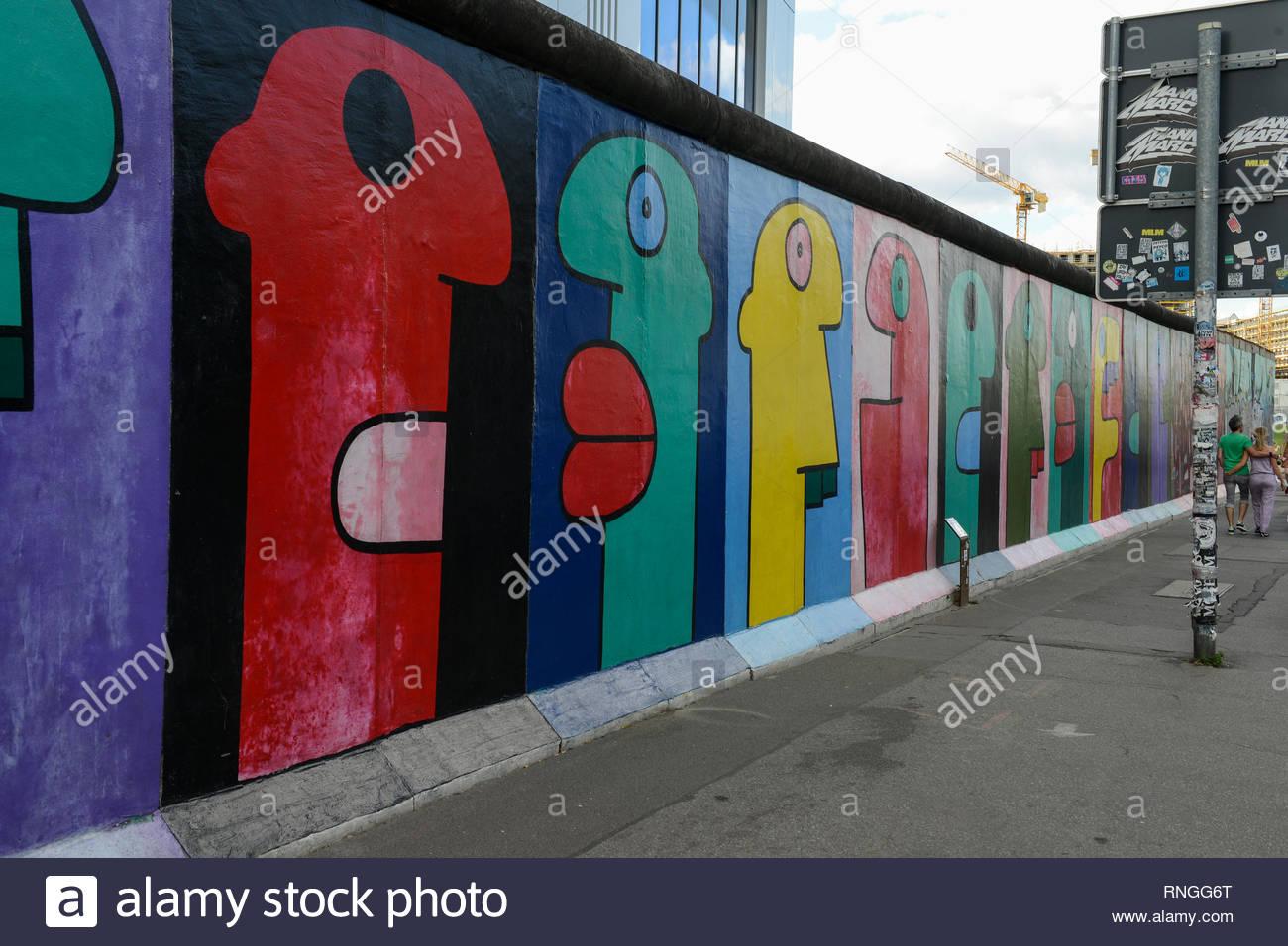 Alemania, Berlín, el muro, East Side Gallery, pared paintíngs y murales sobre la guerra fría y las paredes Imagen De Stock