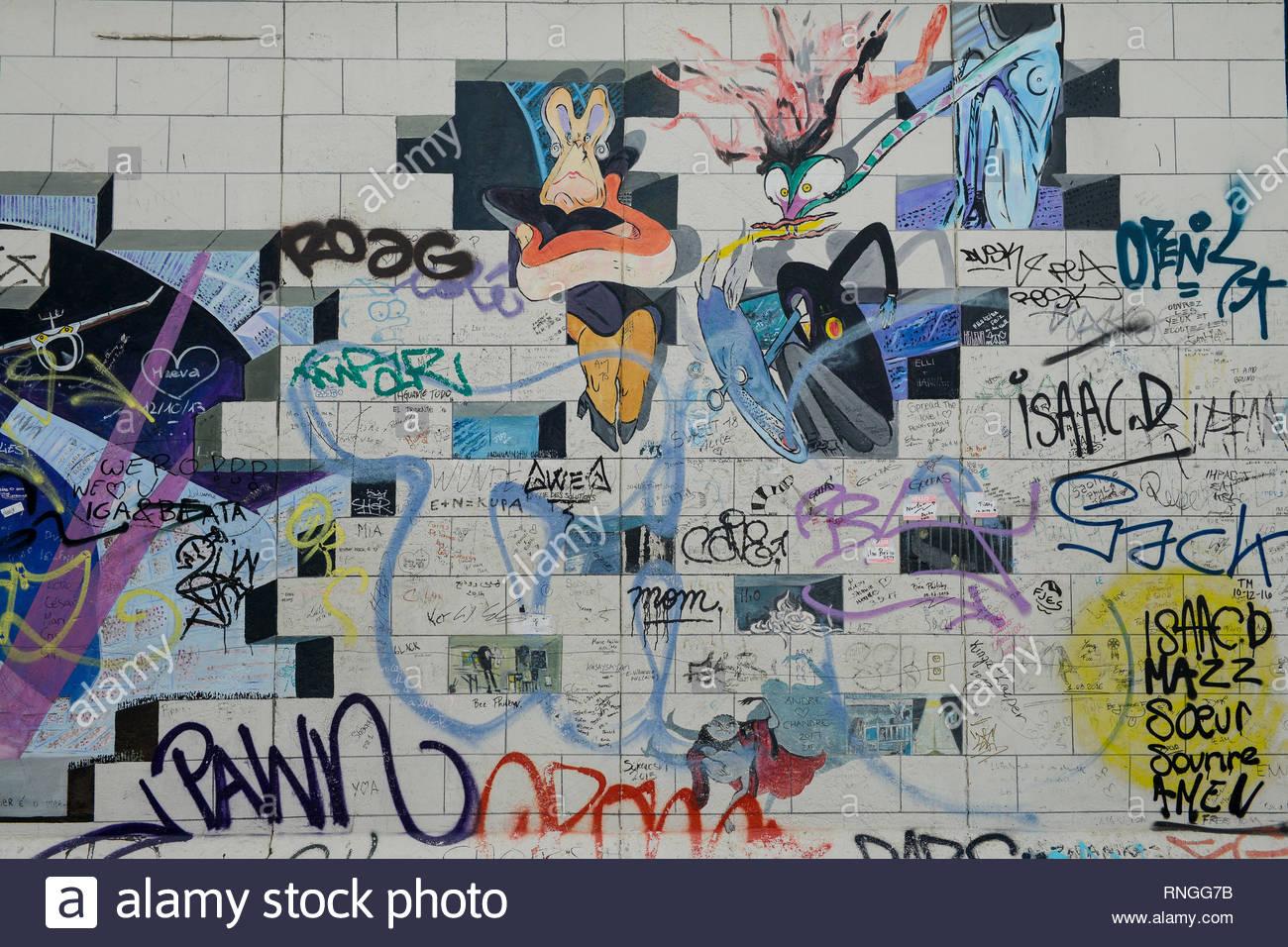 Alemania, Berlín, el muro, East Side Gallery, pared paintíngs y murales sobre la guerra fría y las paredes, Pink Floyd cubrir la pared Imagen De Stock