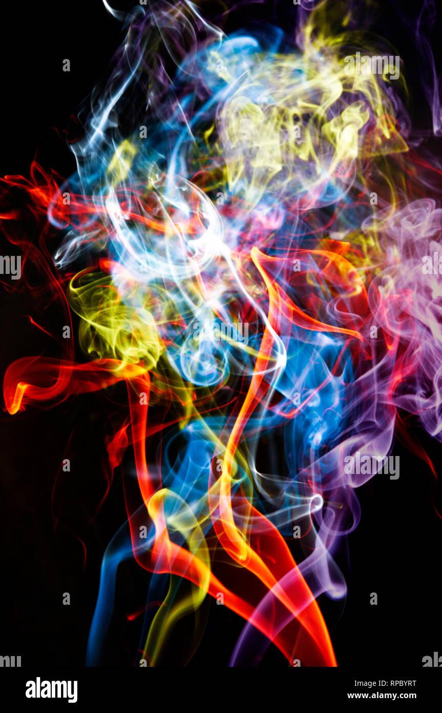 Resumen de antecedentes coloridos de humo Foto de stock