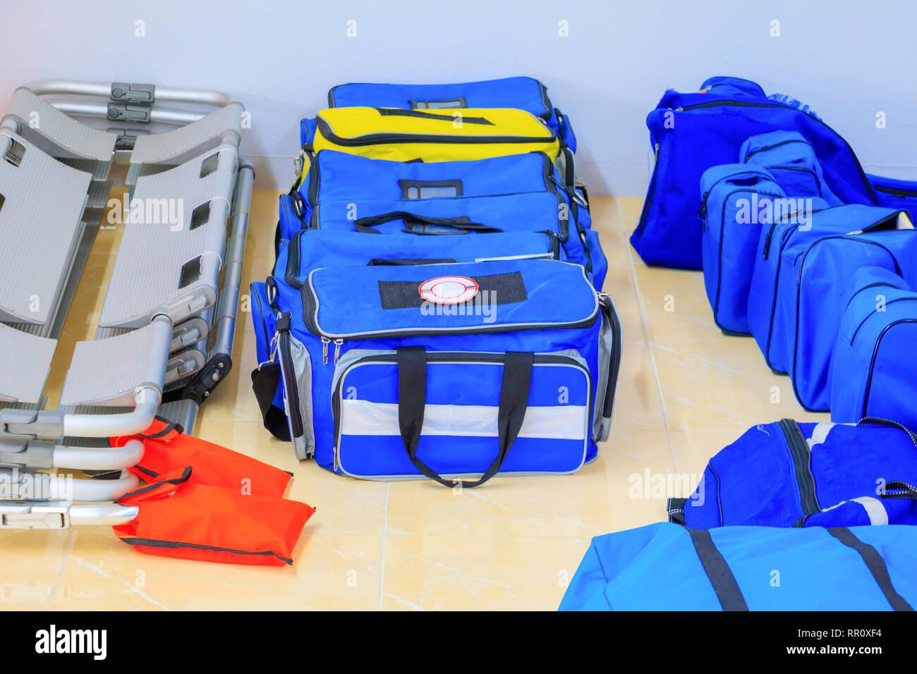 Botiquín Bolsa Ayudar A De Primeros Azul Auxilios Paciente En Para 3AL5j4R
