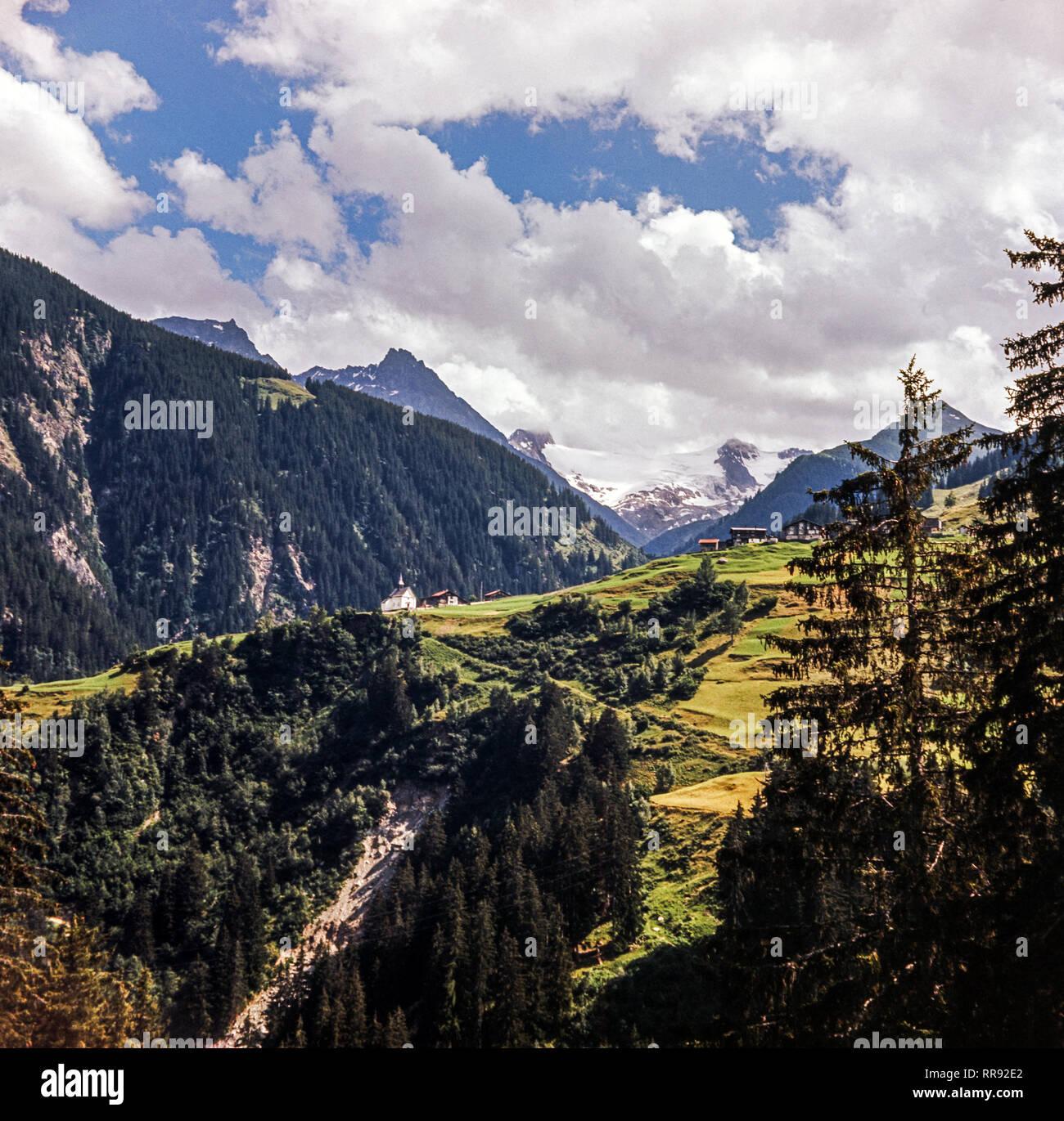 Austria.Vista del Tirol austríaco desde cerca de Innsbruck.a finales de primavera. Foto de stock
