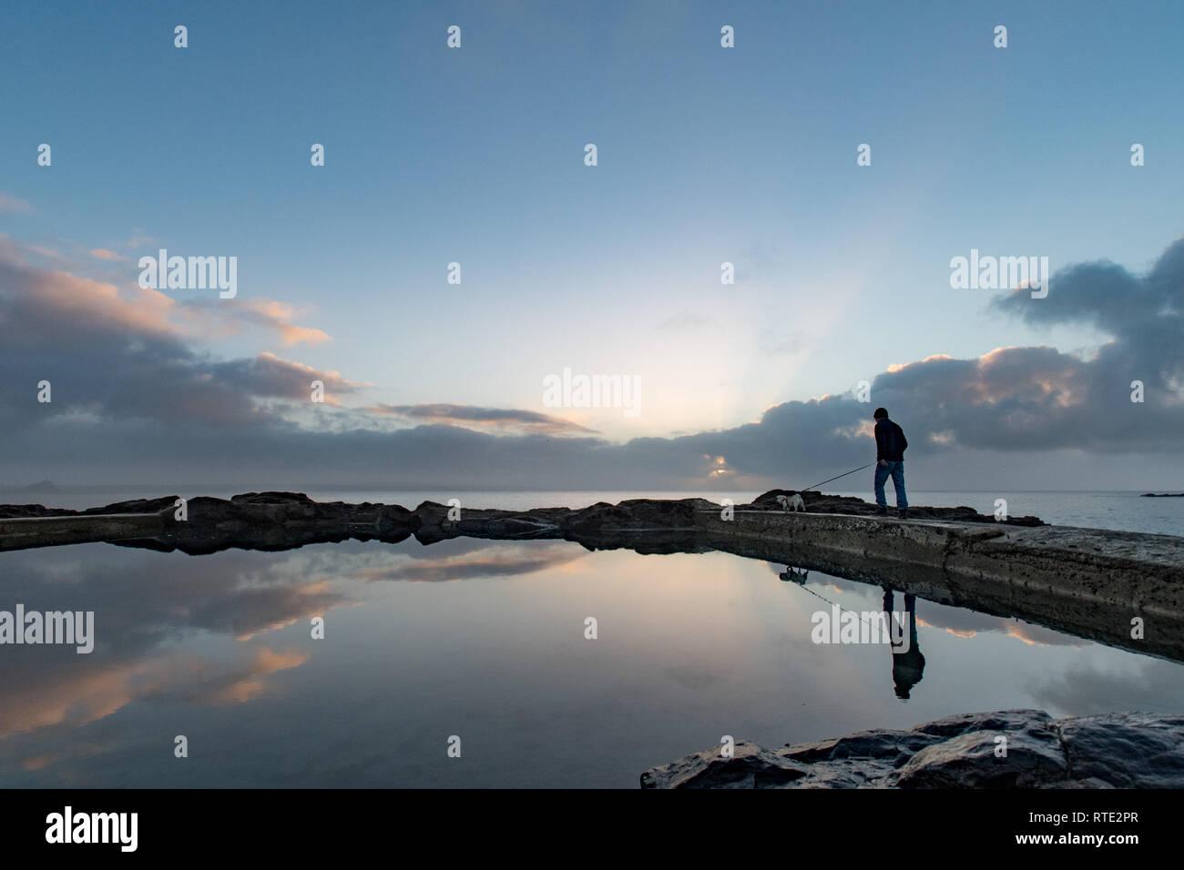 Mousehole, Cornualles, en el Reino Unido. El 1 de marzo de 2019. El clima del Reino Unido. Suave y soleado para empezar el día en el Mousehole en el extremo sur oeste de Cornualles. Crédito: Simon Maycock/Alamy Live News Foto de stock