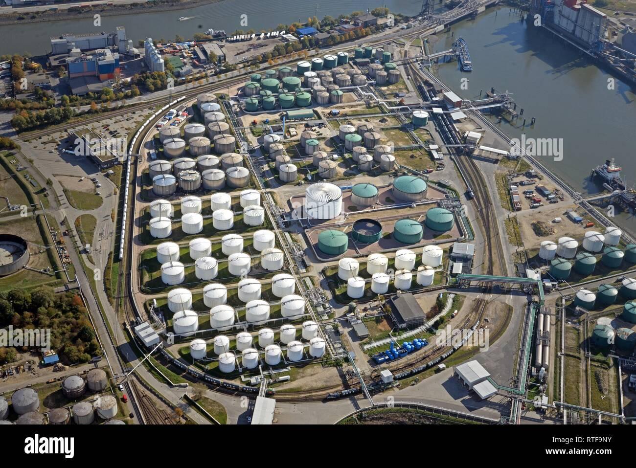 Vista aérea, Tank Farm Vopak, almacenamiento de hidrocarburos, gas y productos químicos, el puerto de Hamburgo, Hamburgo, Alemania. Foto de stock