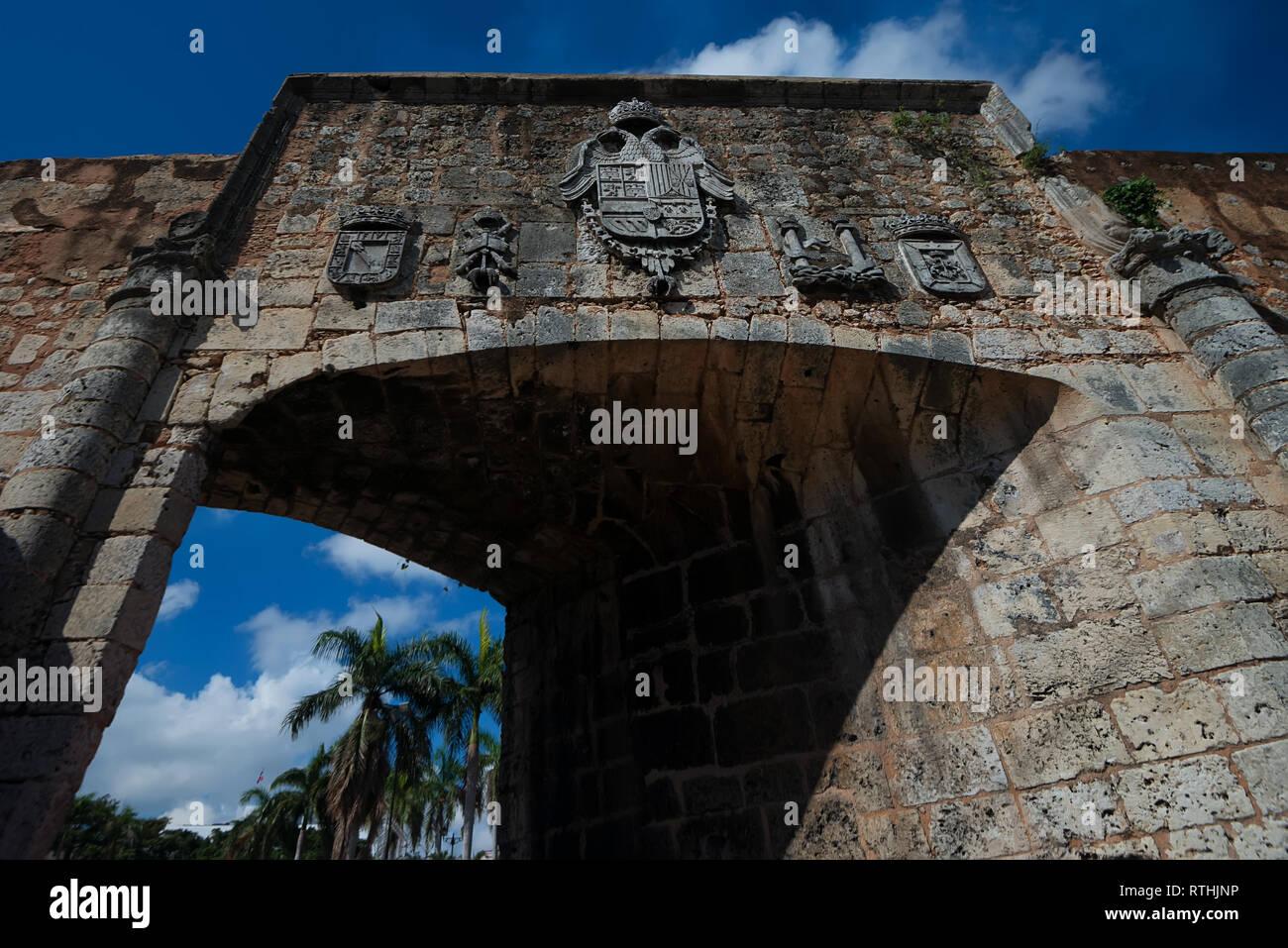 Cerrar vista de la bella arquería en la Zona Colonial, Santo Domingo Imagen De Stock
