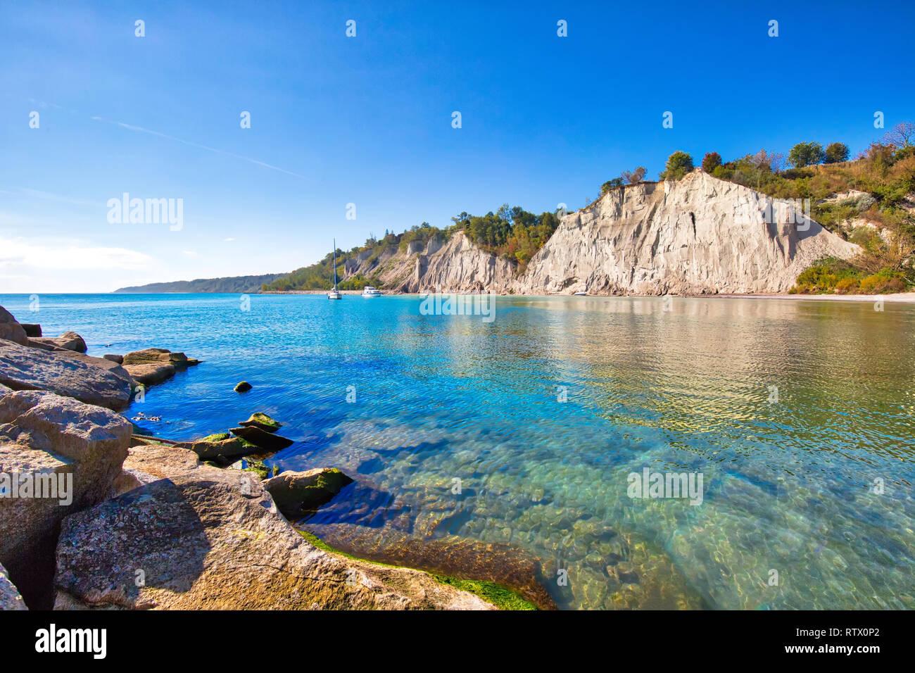 Toronto, Scénic Scarborough Bluffs frente a la orilla del lago Ontario Foto de stock