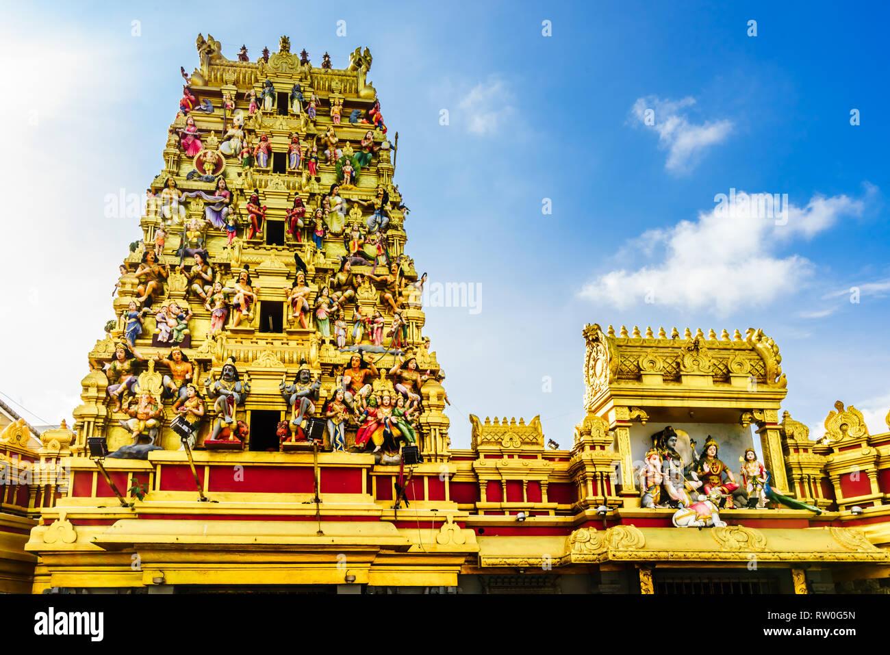 Ver el colorido Templo hindú en Colombo, Sri Lanka Foto de stock