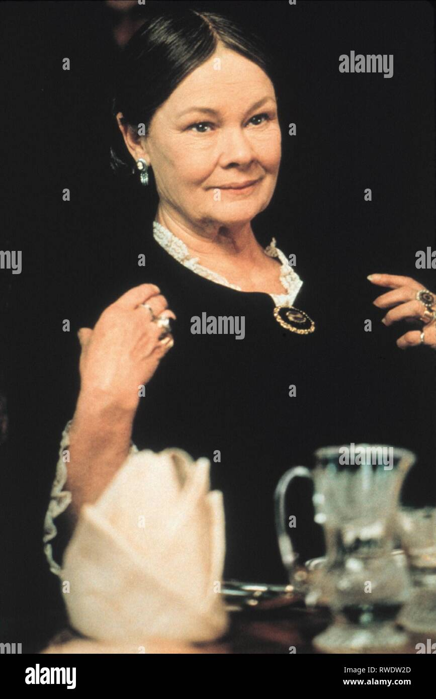JUDI DENCH, señora. BROWN, 1997 Foto de stock