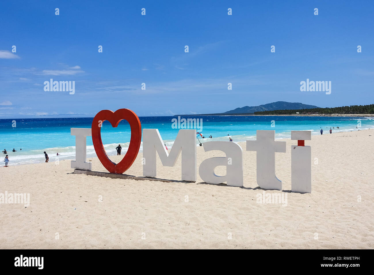 """Me encanta Mati' Sign on Dahican Playa, Mati - Davao, Filipinas Foto de stock"