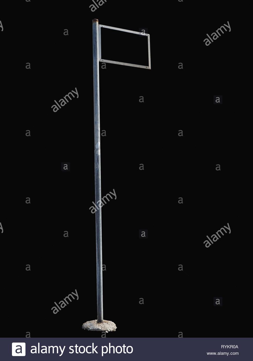 Signo de la calle lateral derecha vacía la tierra aislada del marcador contra fondo negro Imagen De Stock