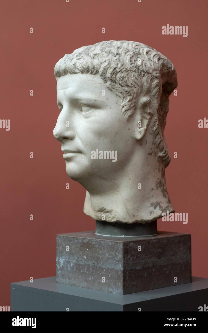 Copenhague. Dinamarca. Busto retrato del emperador romano Claudio, Ny Carlsberg Glyptotek. Tiberius Claudius Drusus Nero Germanicus (10 BC-54 AD) reinado: Foto de stock