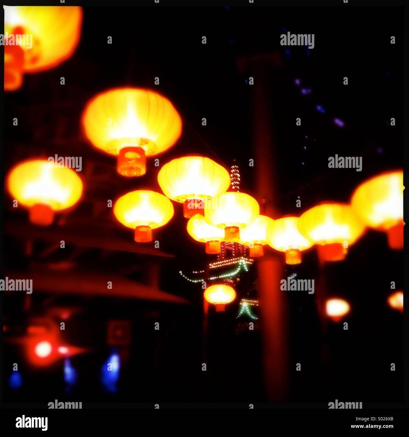 Linternas a los jardines de Tivoli, Copenhague, Dinamarca Imagen De Stock