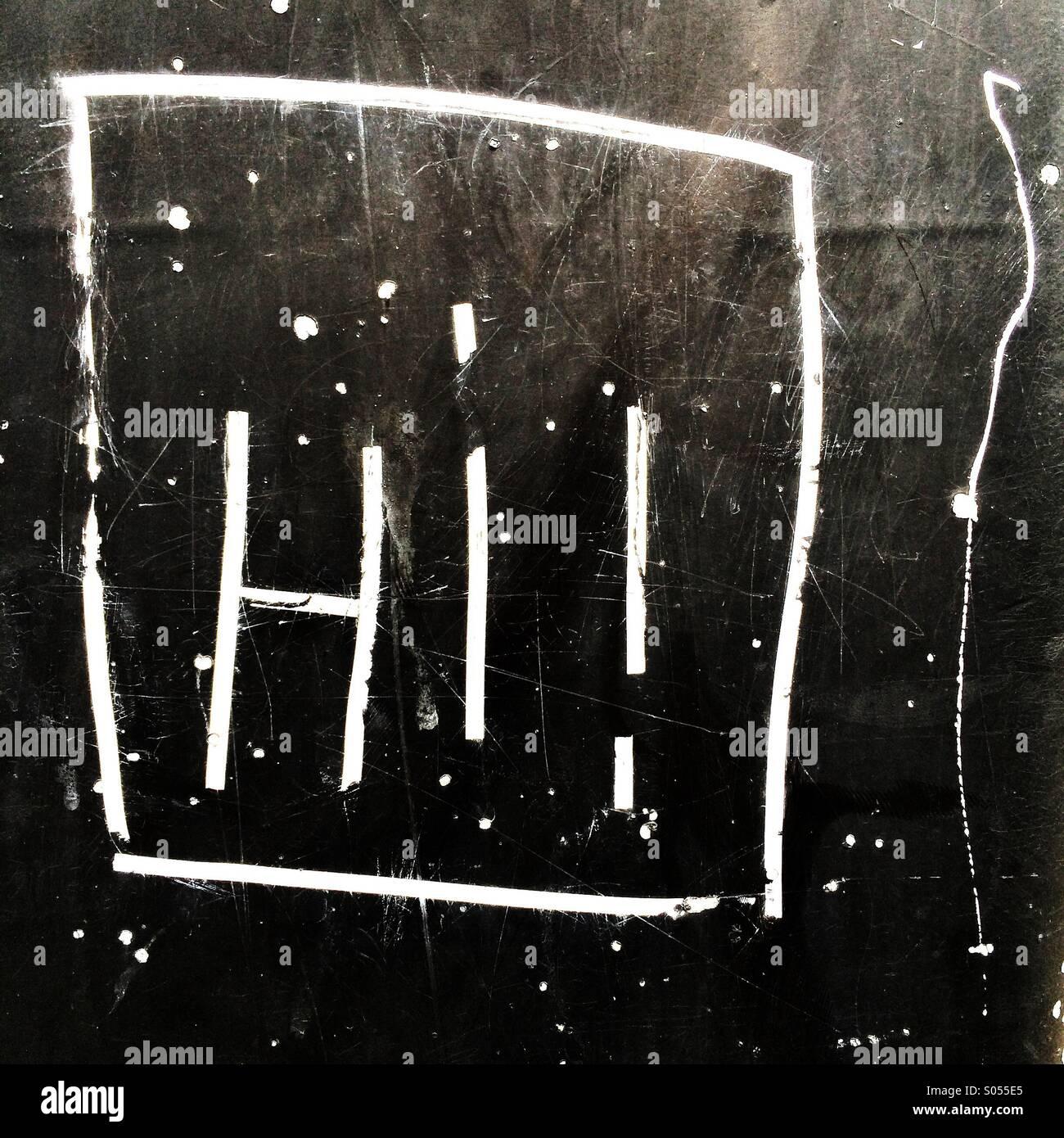 ¡Hola!! Graffiti grabados en la pared Foto de stock