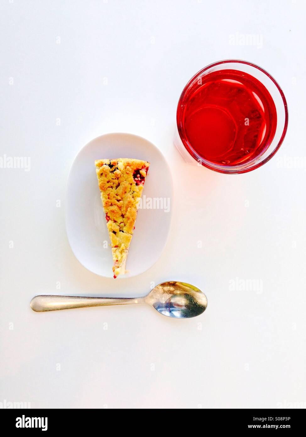 Cheesecake y beber visto desde arriba Imagen De Stock