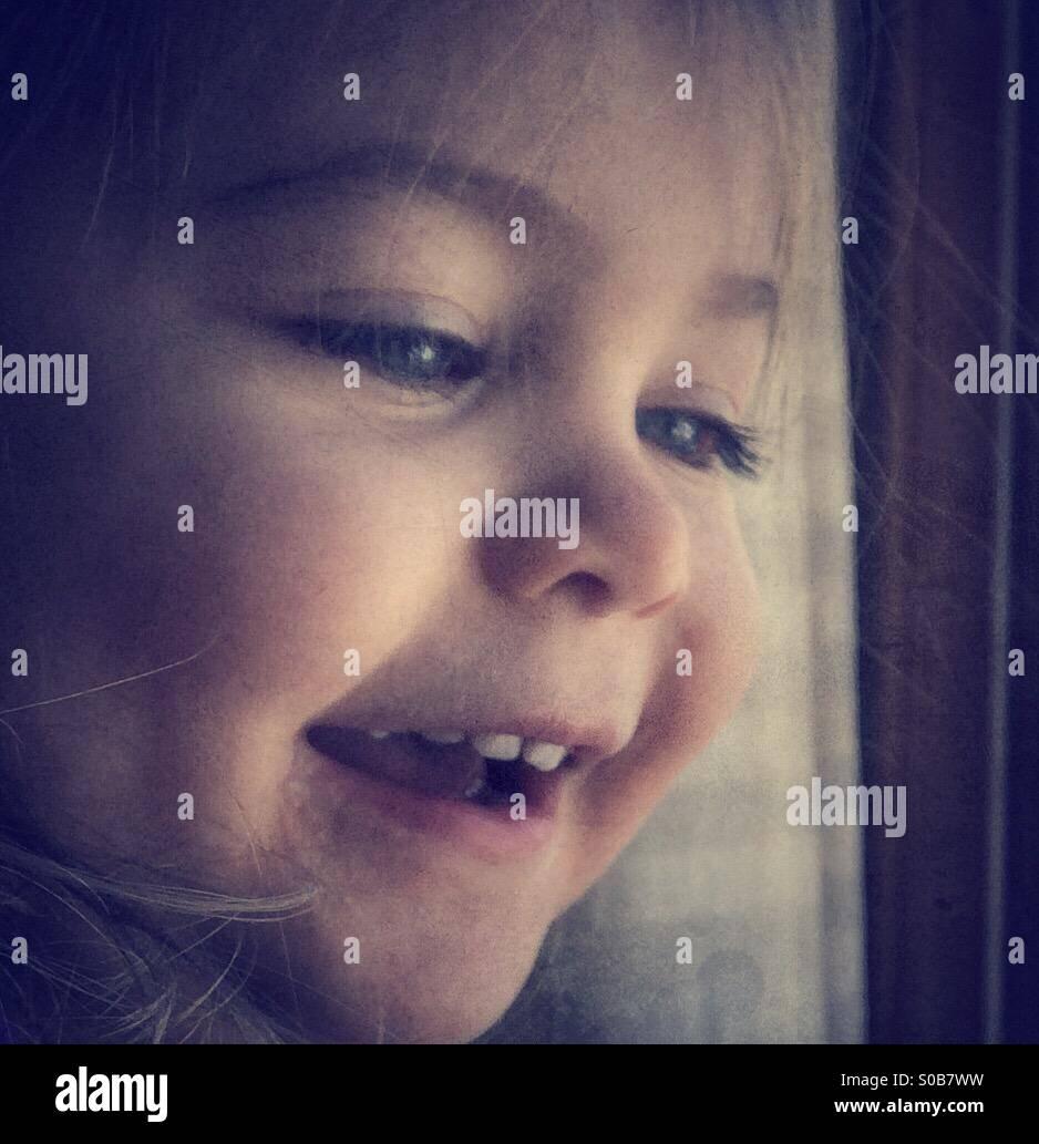 Niño sonriente Imagen De Stock