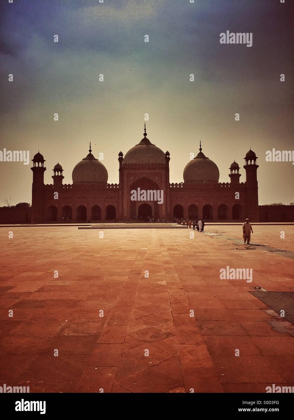 La Mezquita Badshahi en Lahore Pakistán Foto de stock