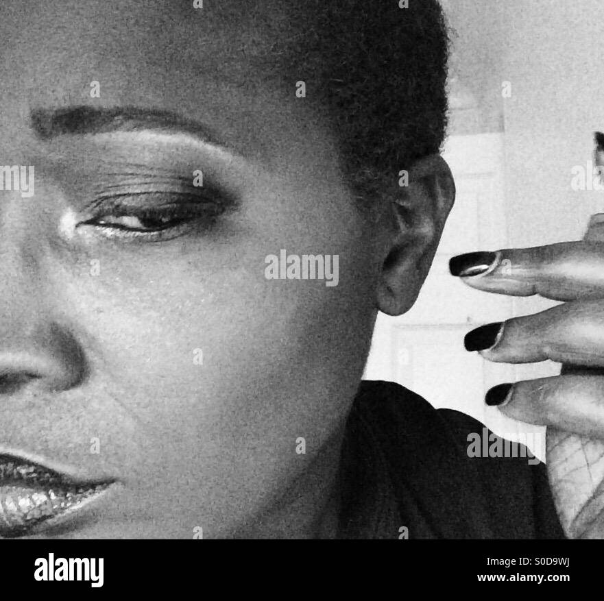 Dama Negra / escucha reflexiva Imagen De Stock