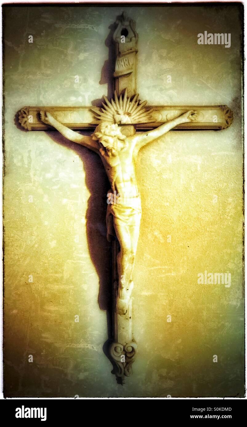 Vivió y murió por nosotros ~ Hermosa Crusifix Imagen De Stock