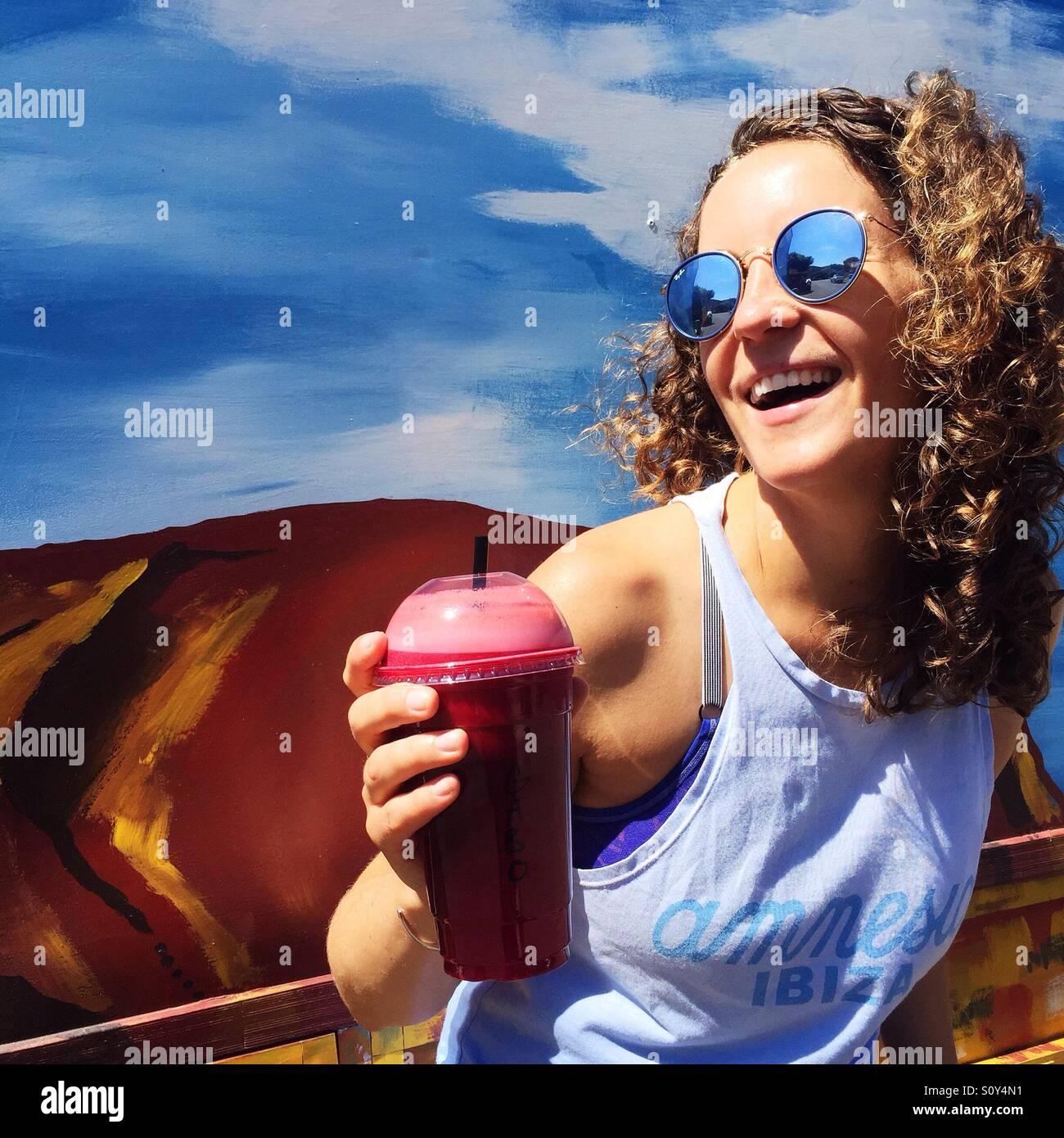 Retrato de una mujer feliz Foto de stock