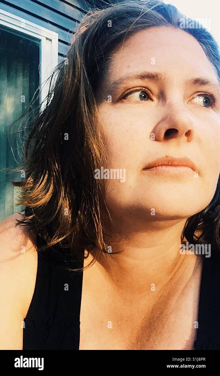 Mujer viendo Imagen De Stock